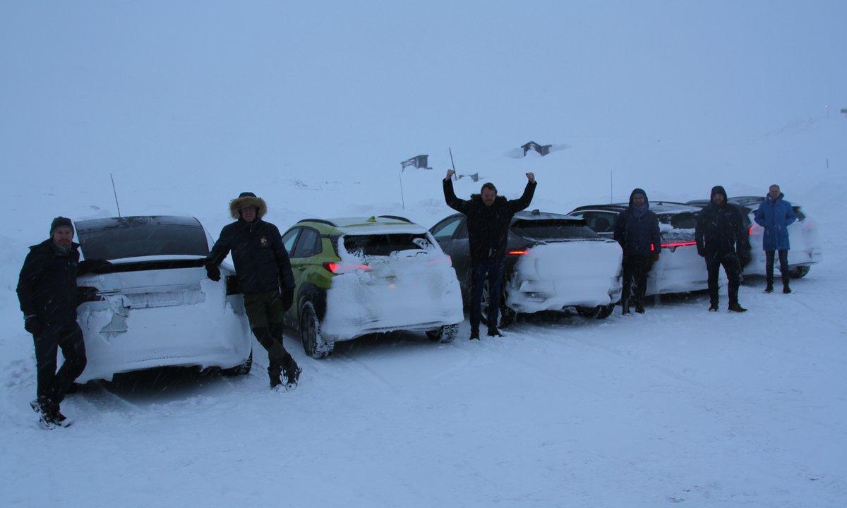 Fem elbiler på vintertest i de norske bjerge.
