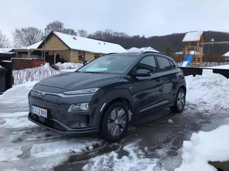 Vinterbillede af Hyundai KONA